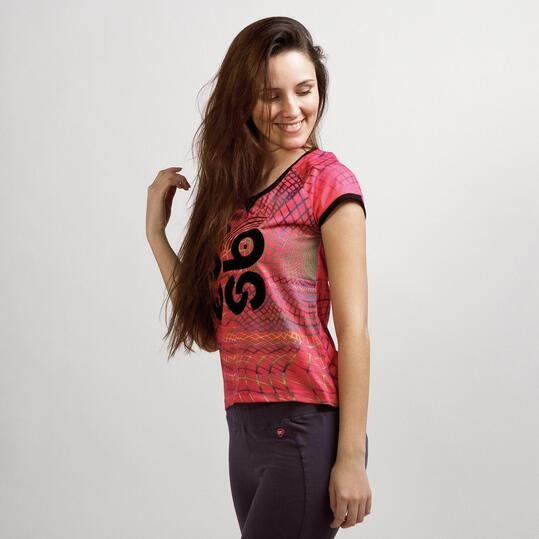 Camiseta Casual UP STAMPS Fucsia Negro Mujer