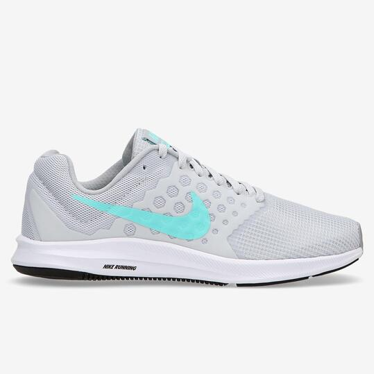 nike grises mujer