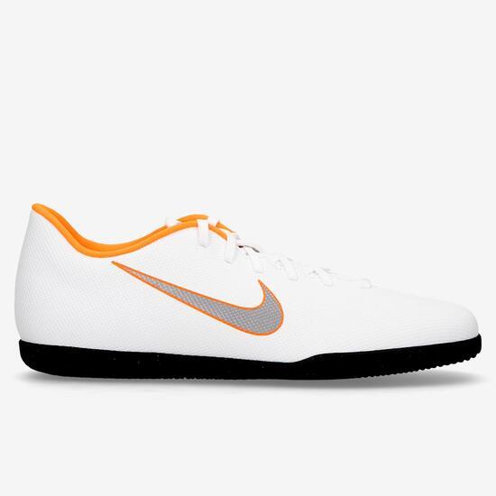 Nike Vapor 12 Club Sala Junior - Blanco - Botas futbol sala niño ... f0c65f0ddb283