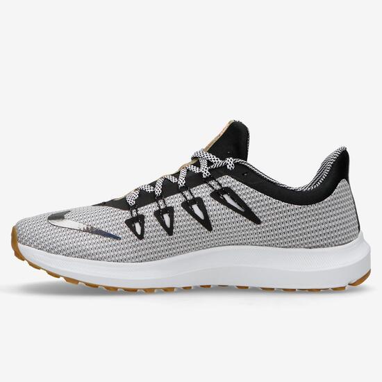 Nike Quest SE