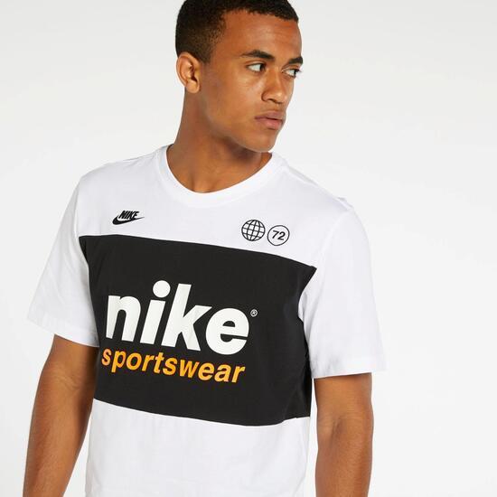 Nike Panel