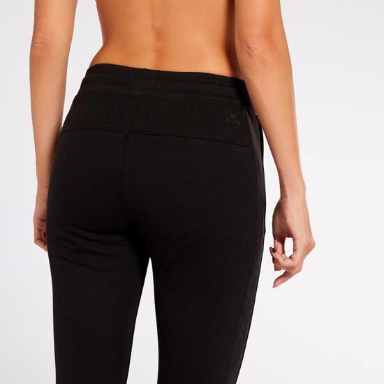 Pantalón Essentials