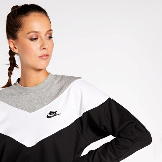 Nike Heritage Block