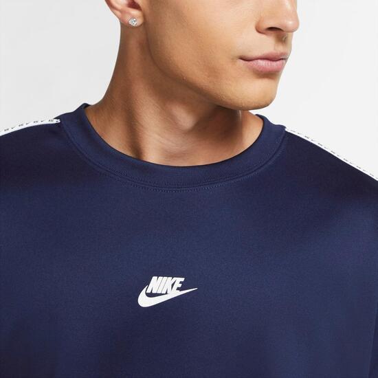 Nike Repeat