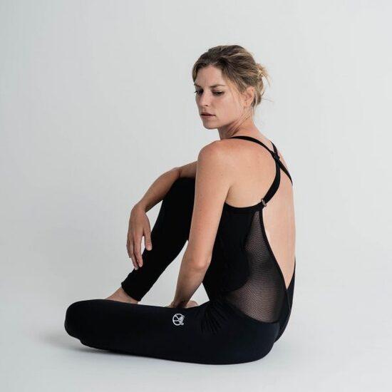 Mono Yoga Negro  Lilia Caviró Sport